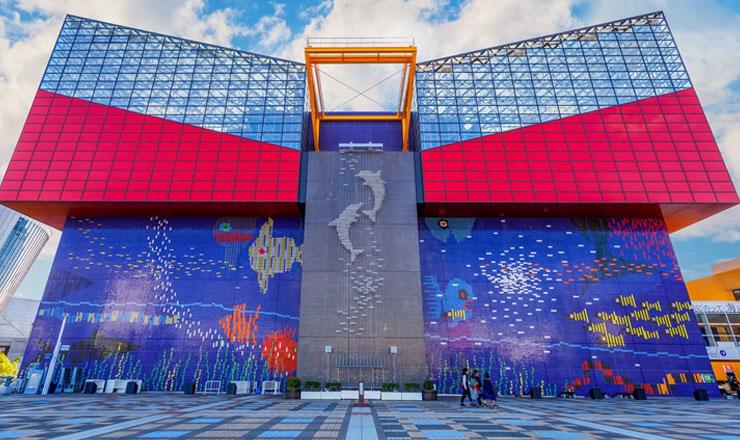 พิพิธภัณฑ์สัตว์น้ำไคยูกัง (Osaka Aquarium KAIYUKAN)